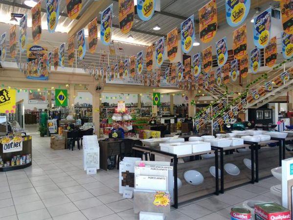 Trevo Shopping da Construção - O Rei da Madeira