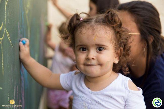 Educar e Crescer - Berçário e Educação Infantil