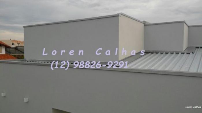 Loren Calhas