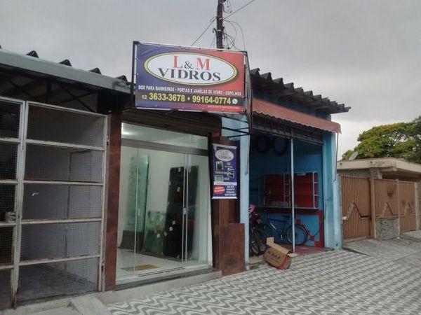L & M Vidros